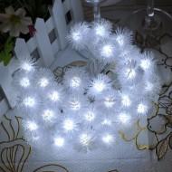 LED vianočné osvetlenie - snehové gule, 5m reťaz, 40xLED, IP65, 3xAA batérie, studená biela